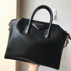 Givenchy Antigona medium size in glazed calfskin